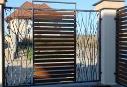 Porti si gard din fier forjat cu lemn model TIRANA