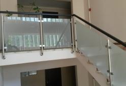 Balustrada inox cu sticla si lemn model 04